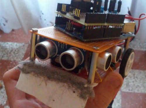FilipINO il robot pulitore